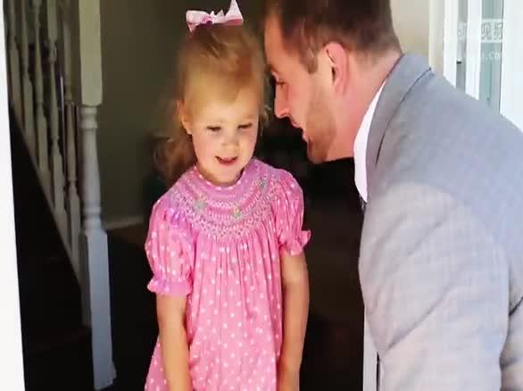 0001.搜狐视频-【youtube奇趣精选】超级有爱的粑粑和宝贝女儿的第一次正式约会