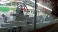 七旬老兵耗时六年纯手工等比例打造深圳167舰