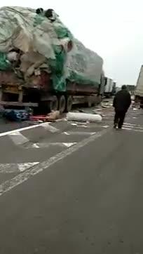 双十一赶送货快递驾驶员疲劳驾驶追尾身亡