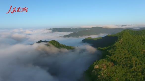 【大美中国 看壮丽河山】航拍生态小村 云海环绕如仙境