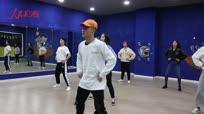 【我的大学】体育专业大三学生创业教街舞 五年获奖无数