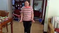 53岁大妈1分钟跳绳281个, 一年用坏钢丝绳100多根