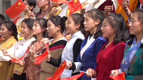 北京市平谷区教育系统唱响《我和我的祖国》