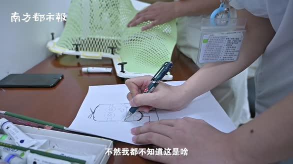 儿童患癌抗拒治疗,广州美女护士画画将患者变身超级英雄对抗病魔