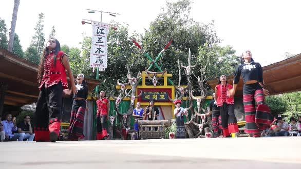 佤族木鼓舞