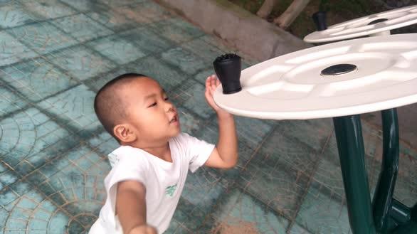 3岁半男娃运动记 欢乐一起动起来