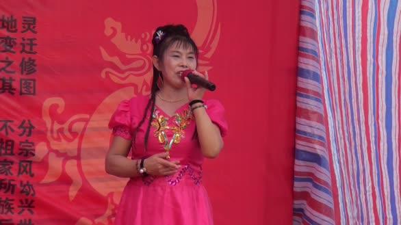 武汉女歌手一首《酒醉蝴蝶》歌声甜美让网友陶醉