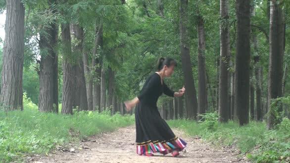 爱芒舞蹈:火红的萨日朗