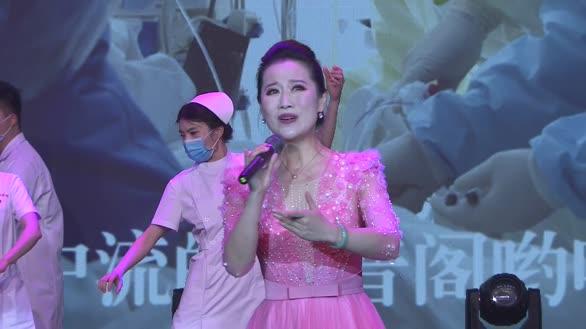 杜勁松導演推薦萬莉演唱《旗幟在心中飄揚》