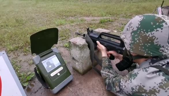 西藏军区新兵首次实弹射击