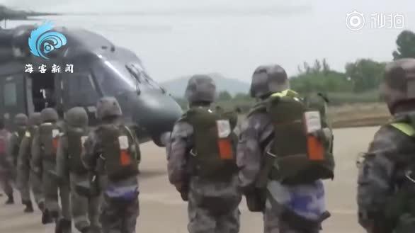 特战女兵高空跳伞遇强对流 仅剩3秒处置惊险现场曝光